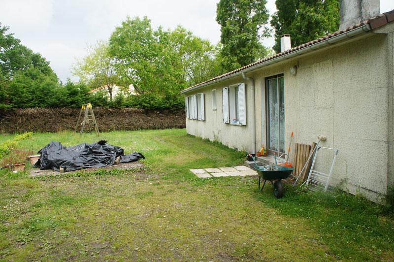 Maison d habitation de plein pied avec garages et d pendances avocatransac - Garage saint philbert de grand lieu ...