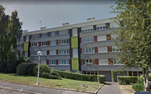 Appartement 1 er étage avec 2 chambres cave & parking